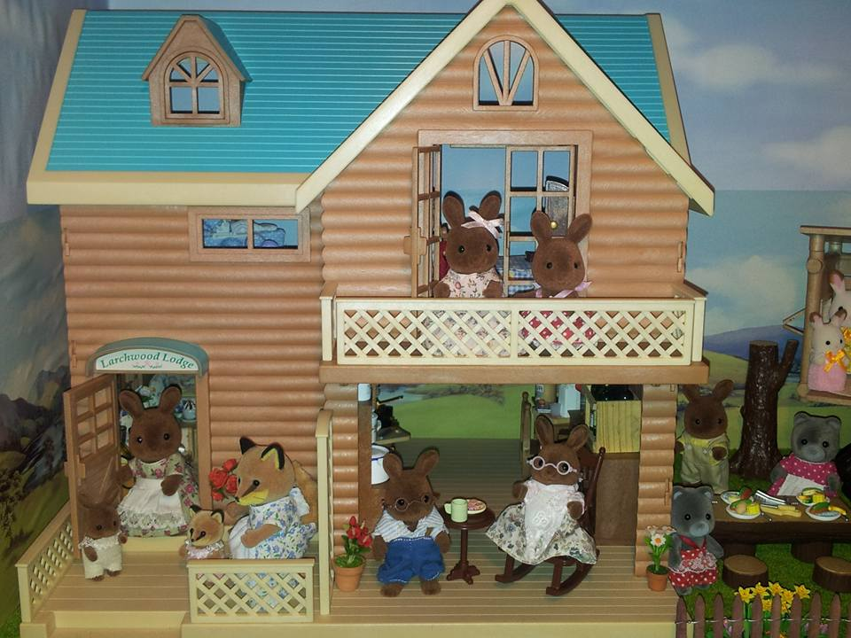 Larchwood Lodge Sylvanian Families