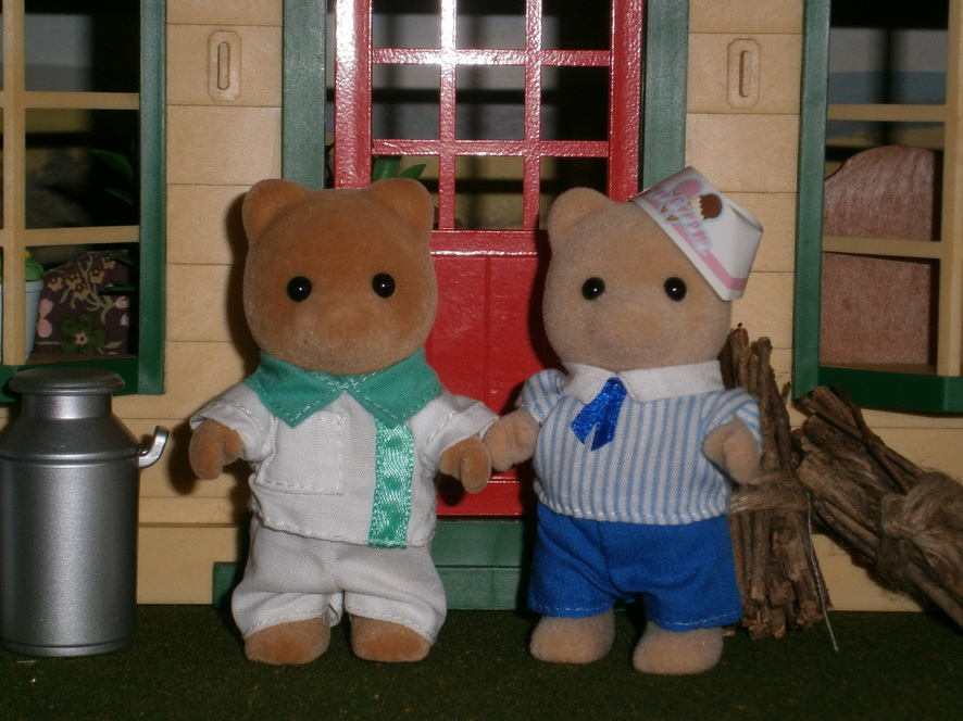 Sylvanian Families Honey Bear Uncle Paramedic Ice Cream Driver