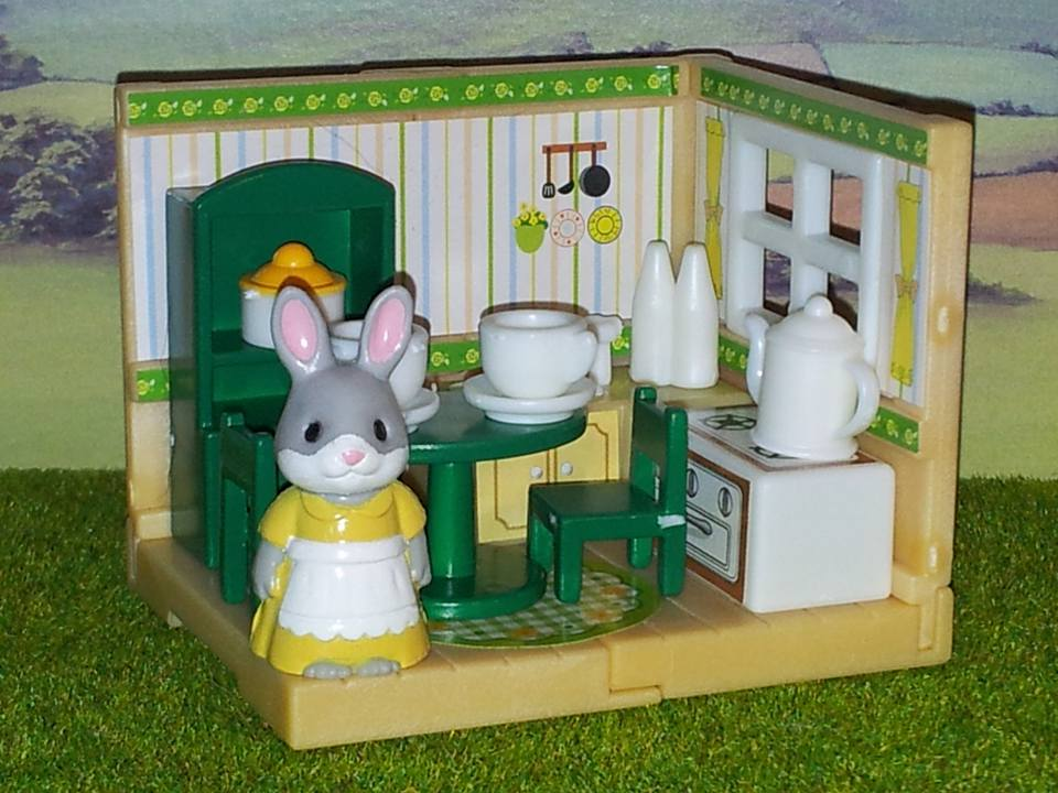 Sylvanian Families UK Cottontail Rabbit Mother Kitchen Furniture Kabaya JP