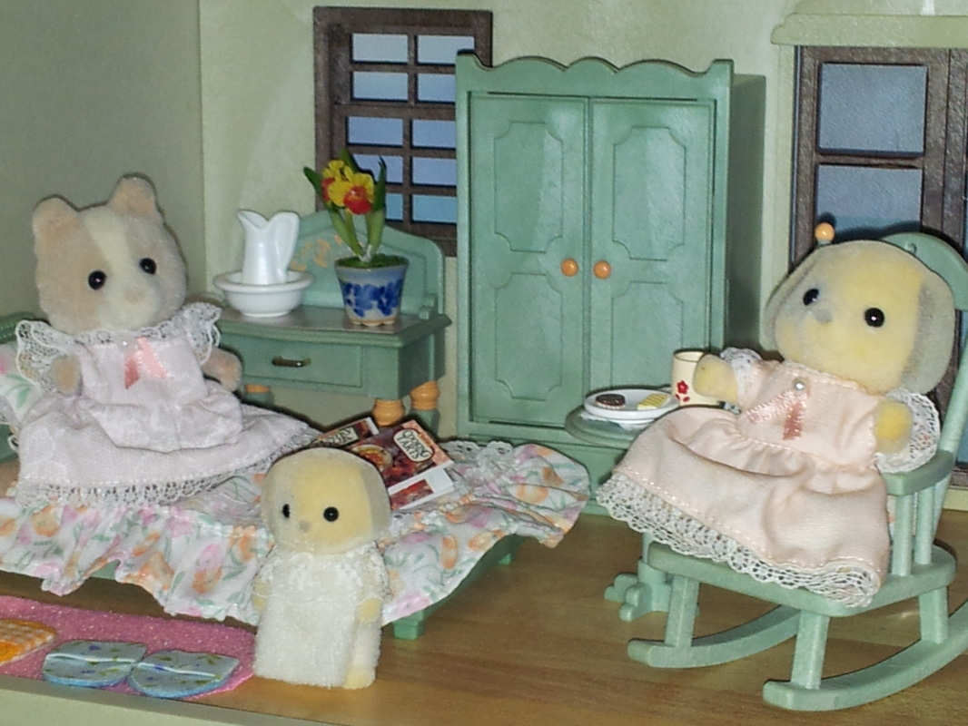 Sylvanian Families UK Urban Life Country Manor Green Bedroom Ivory Patches Farthing Maroon Dog JP