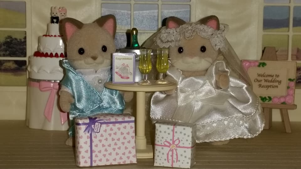 Sylvanian Families UK Wedding Dante Cats Keats Cat Family Club Exclusive Church Flair EPOCH Tomy Bride Groom Church Champagne Wedding Presents Marquee