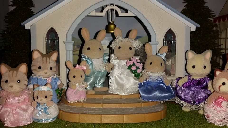 Sylvanian Families UK Honeydew Rabbit Wedding Flair EPOCH Tomy Church Perriwinkle Milk Rabbit Family Bridesmaids Melody Mimi Macavity Cat Family Mulberry Racoon