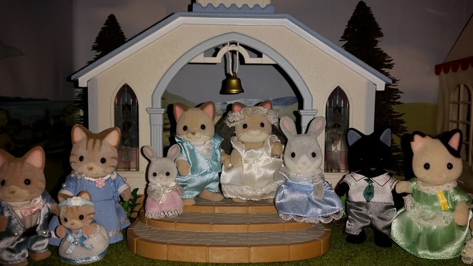 Sylvanian Families UK Wedding Dante Cats Keats Cat Family Club Exclusive Church Flair EPOCH Tomy Bride Groom Church Macavity Cats Sandy Cats Marlowe Tuxedo Cat Family Cottontail Rabbit Bridesmaids