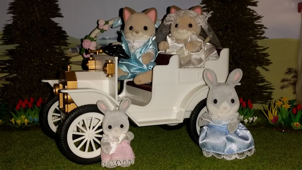 Sylvanian Families UK Wedding Dante Cats Keats Cat Family Club Exclusive Church Flair EPOCH Tomy Bride Groom Church Wedding Car Urban Life Cottontail Rabbit Bridesmaids