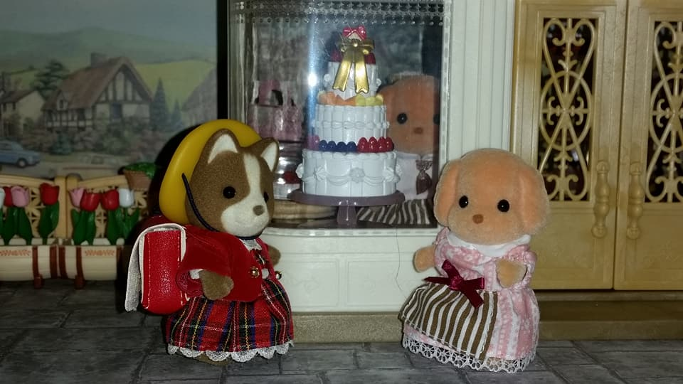 Sylvanian Families UK Village Cake Shop Cakebread Poodle Family Cake EPOCH Flair Tomy Huckleberry Hound Family