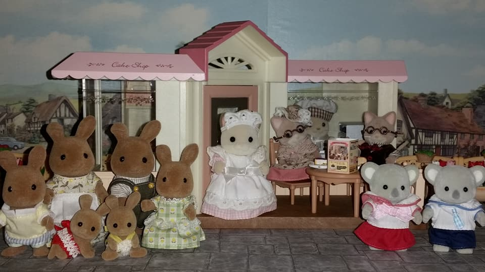 Sylvanian Families UK Cake Shop JP 2006 Keats Cat Family Dappledawn Rabbits Macavity Cats Grandparents Koala Exchange Students EPOCH Flair Tomy