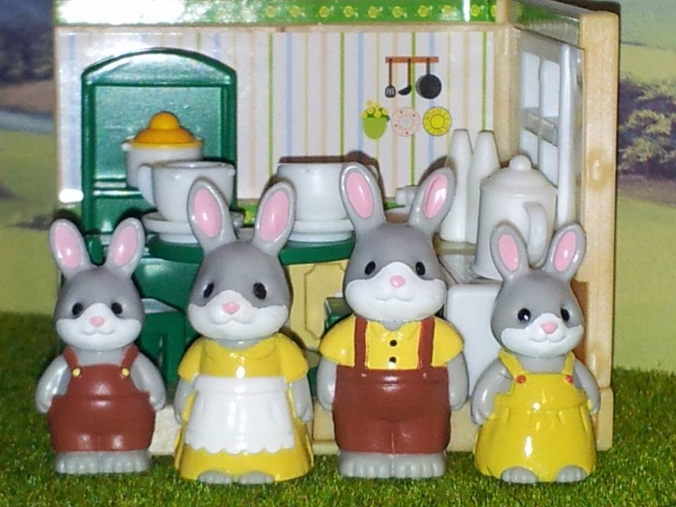 Sylvanian Families UK Cottontail Rabbit Family JP Kabaya