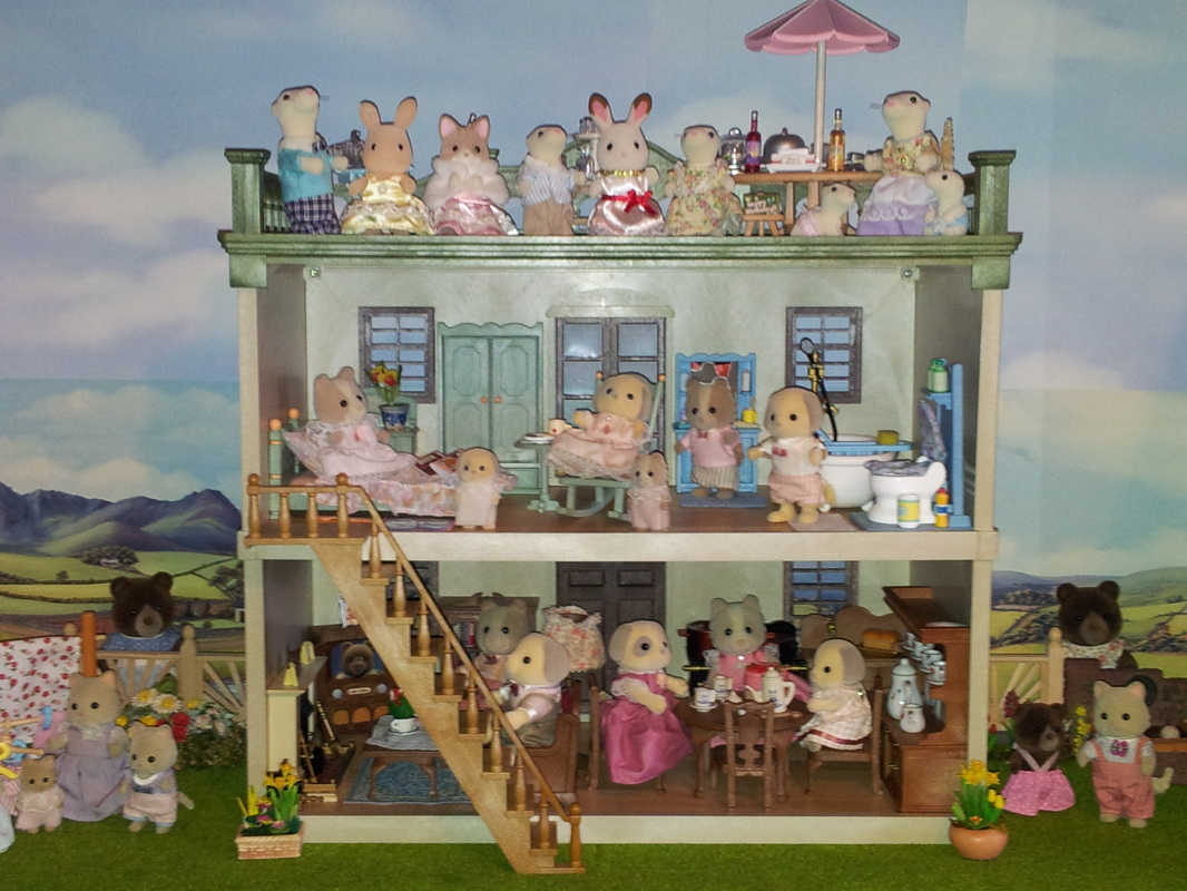 Sylvanian Families UK Urban Life Country Manor JP Farthing Dog Patches Dog Freya Chocolate White Ermine JP