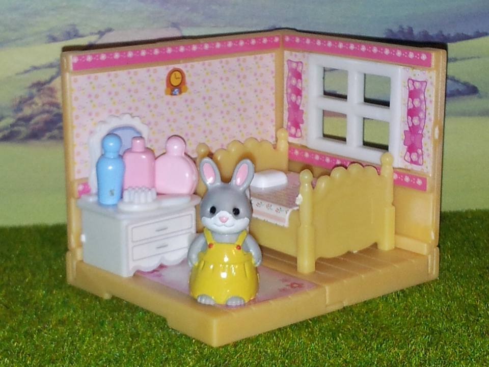 Sylvanian Families UK Cottontail Rabbit Sister Bedroom Furniture Kabaya JP