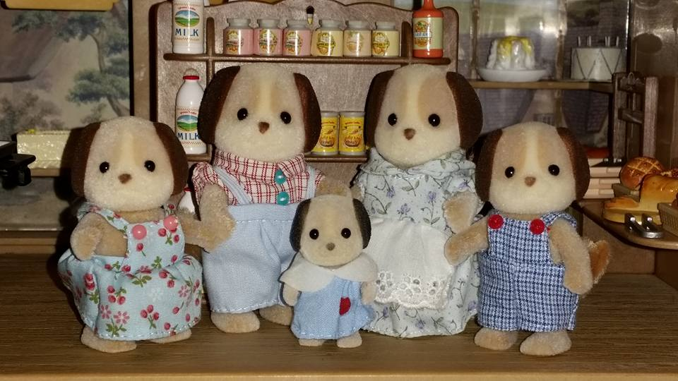 Sylvanian Families Beagle Dog Family EPOCH Flair Tomy Village Bakery