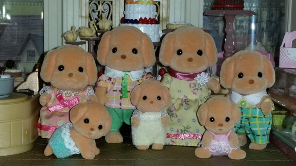 Sylvanian Families UK EPOCH Flair Tomy Cakebread Toy Poodle Family