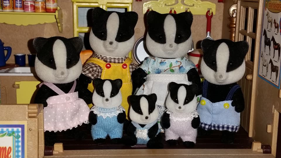Sylvanian Families Underwood Badger Family Flair EPOCH Tomy